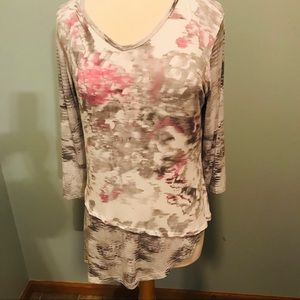 Parsley & Sage    Tunic Top With Layered Look